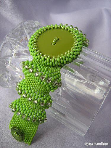 LIME and OLIVE button cuff