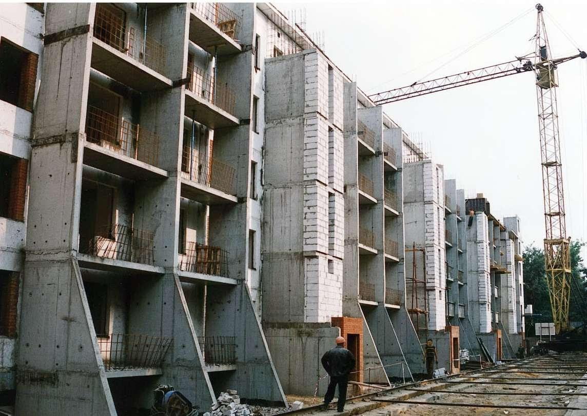 Пятиэтажки лучше не сносить, а реконструировать с толком и выгодой