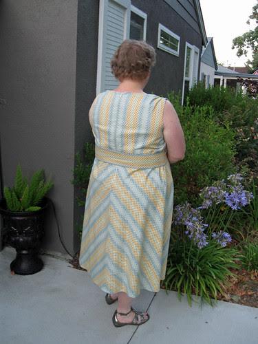 Amy dress back