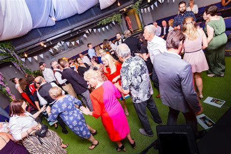 Kickstarters review   Wedding in Hampshire by Josh