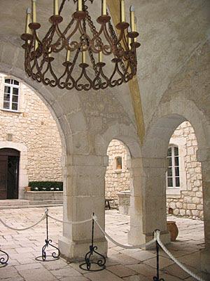 entrée chateau gourdon
