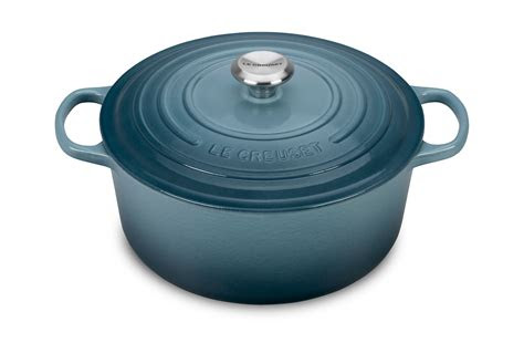 le creuset signature cast iron  dutch oven  quart
