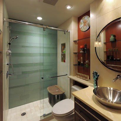Who makes this sliding glass shower door