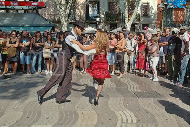 Tango Dancers in Las Ramblas, Barcelona [enlarge]