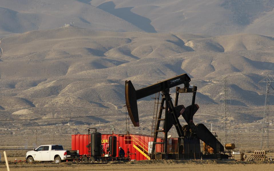 Πάντως, η Morgan Stanley επιμένει ότι θα υποχωρήσουν οι τιμές λόγω αύξησης της αμερικανικής παραγωγής πετρελαίου.