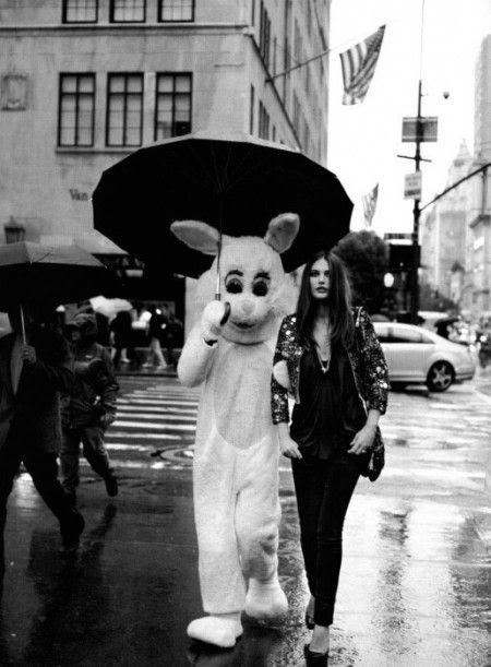 Catherine McNeil and rabbit in 57th Street, with Van Cleef & Arpels on the left. Photo: Peter Lindbergh.