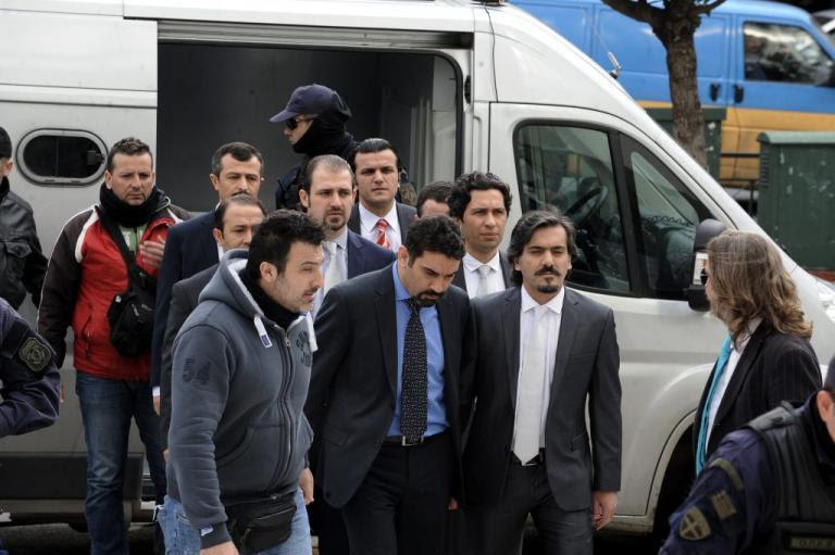 Βόμβα Κοντονή: Ανοιχτό το ενδεχόμενο να δικαστούν στην Ελλάδα οι 8 Τούρκοι για το πραξικόπημα! | Newsit.gr