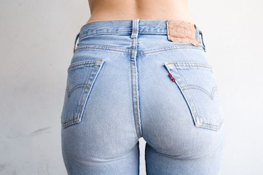 4 Le Fashion Blog Shots That Prove Levis Make Your Butt Look Amazing Good Light Wash Jeans Denim Via Terry Richardson