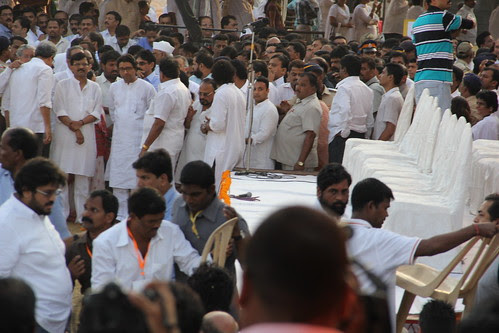 Mr Raj Thackeray at Shree Balasaheb Thackerays Funeral Shivaji Park by firoze shakir photographerno1