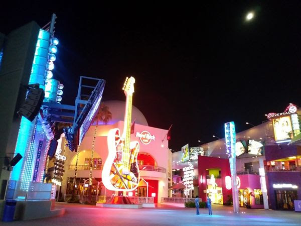 A snapshot of the Hard Rock Cafe restaurant at night...on August 26, 2018.