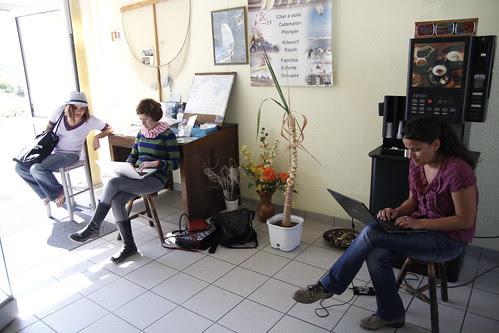 Olga, Lorena and Anita at the unofficial internet room