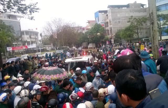 bãi biển Sầm Sơn, FLC, biểu tình, UBND tỉnh, Thanh Hóa