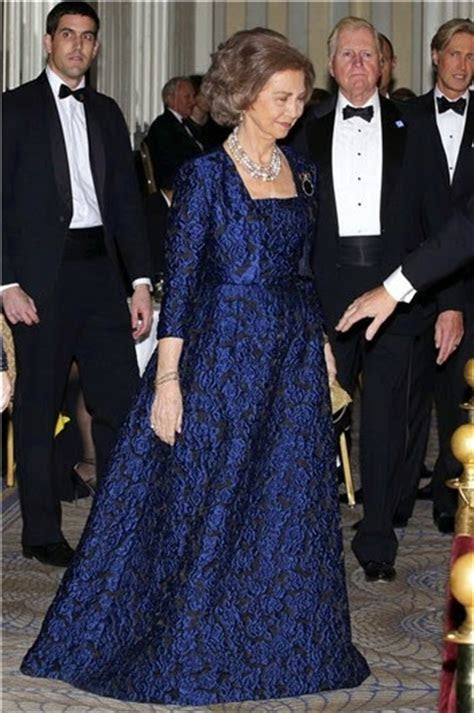 ROYAL COUTURE ..Queen Sofia of Spain, Style Icon   Nick