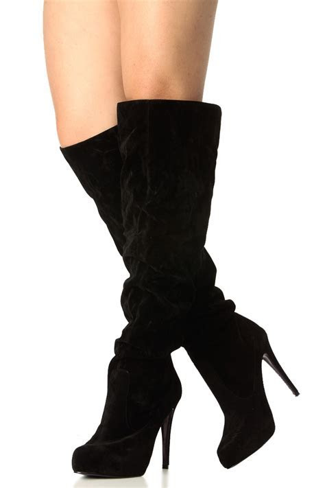 How to Expertly Walk in Black High Heel Boots ? Carey Fashion