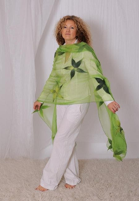 Green handmade felted shawl scarf for women  with multicolor flowers - Christmas gift - linaraLT