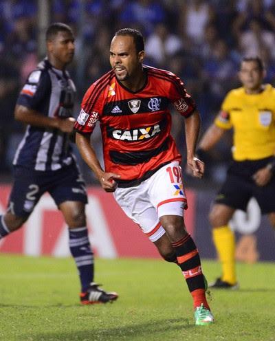 Alecsandro Emelec x Flamengo  (Foto: Alexandre Vidal)