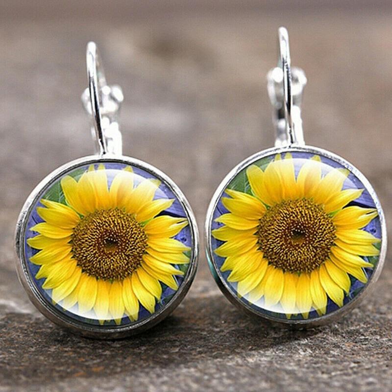 Earrings Fashion Sunflower Round Earrings in Silver. Size: One Size