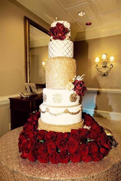 Best 25  Gold wedding cakes ideas on Pinterest   Gold big