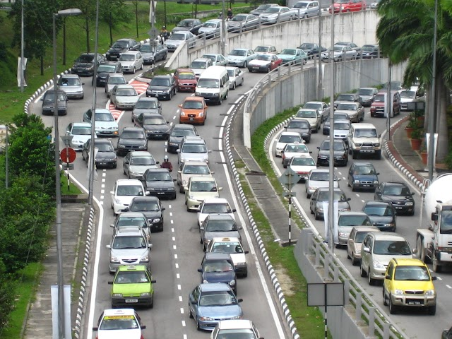 Tatacara Solat Ketika Terperangkap dalam Kesesakan Jalan Raya