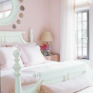 light+pink+bedroom