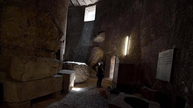 Interior del mausoleo de Augusto, en Roma.