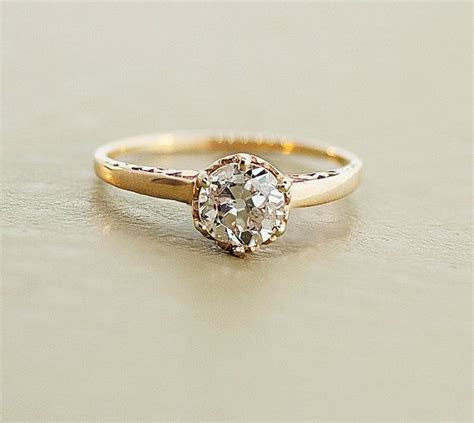 1000  ideas about Dainty Engagement Rings on Pinterest