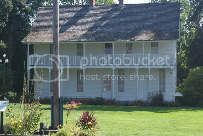Jason Lee's house. First Missionary to the Oregon Territory. photo 1234374_10201857329905324_410139490_n.jpg