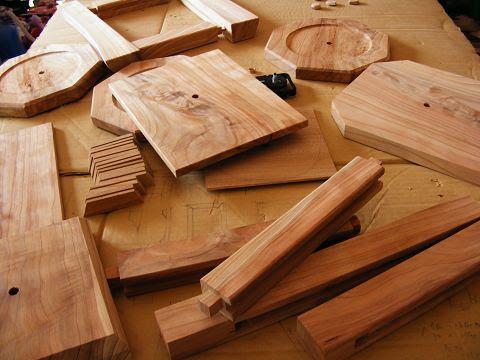 木の時計の部品