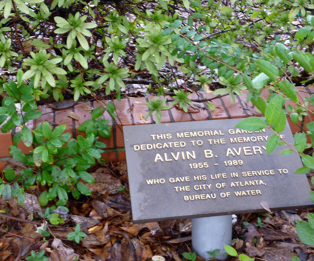 P1150450-2013-01-16-Alvin-B-Avery-1956-1989-Memorial-Garden-Atlanta-Water-Bureau