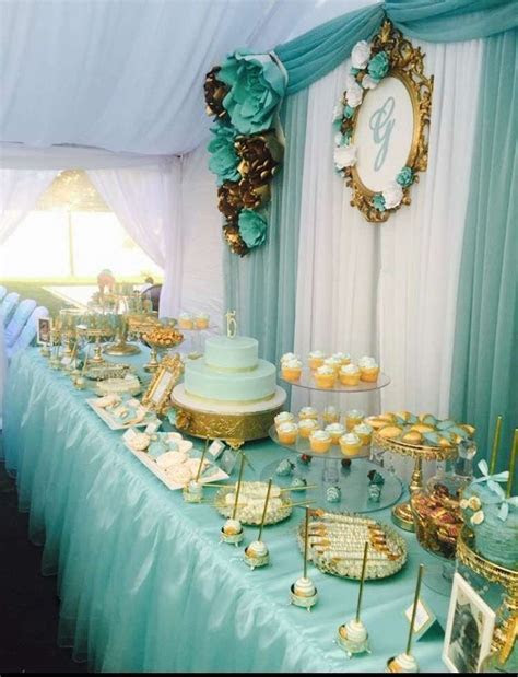 What a stunning Tiffany & Gold themed Quinceañera dessert