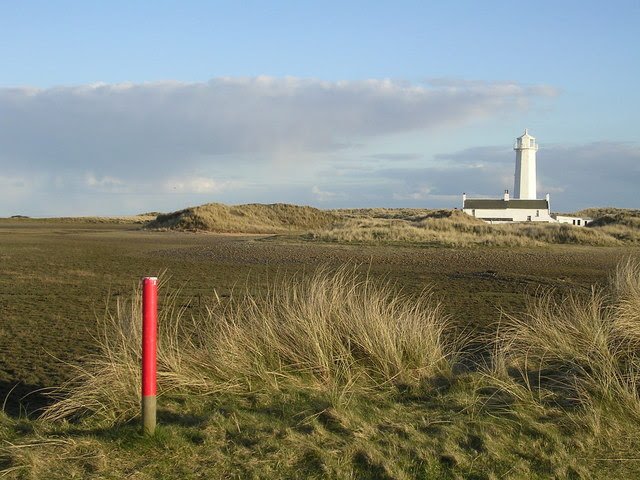 File:Walney Lighthouse - geograph.org.uk - 148772.jpg