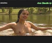 Ana Claudia nua na serie Insolito