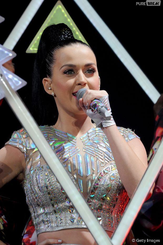 Katheryn Elizabeth Hudson é o nome verdadeiro de Katy Perry