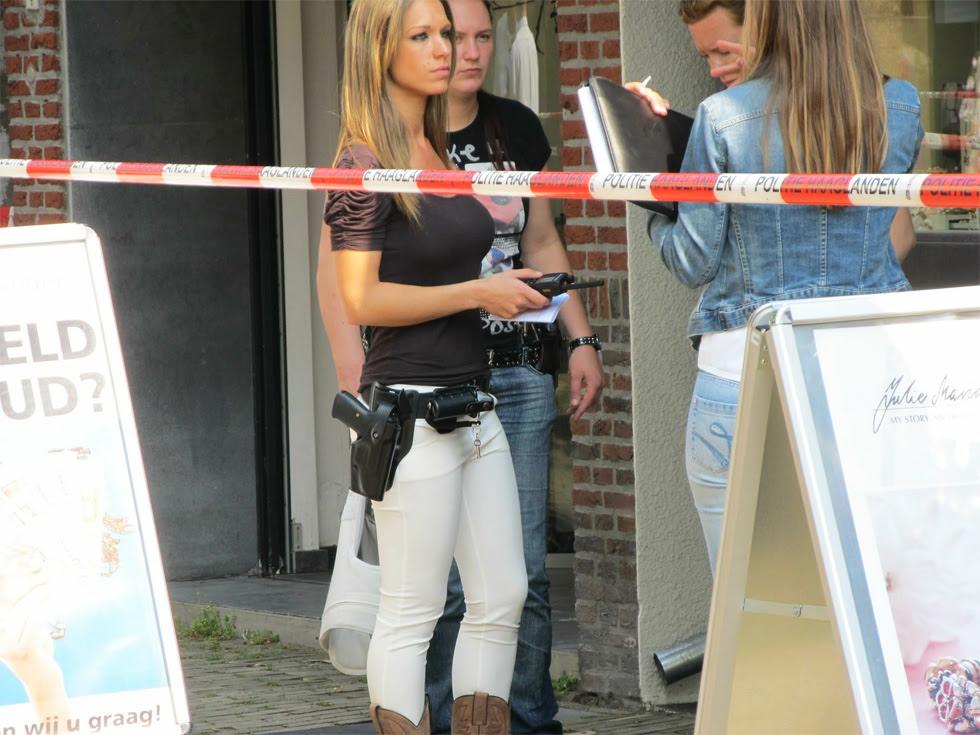 Preciosas mujeres policia holandesas