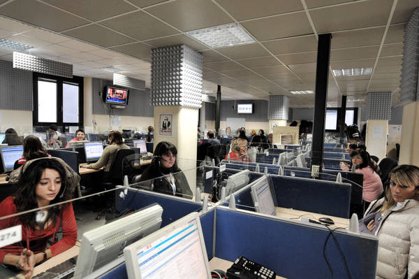 Italians working in call centers in Albania