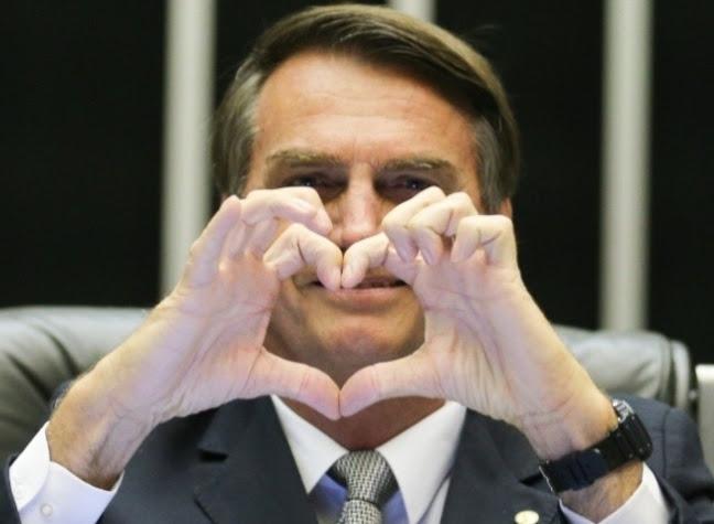 """Programa de governo de Bolsonaro defende """"liberdade e fraternidade"""" """"O caminho para a prosperidade"""""""