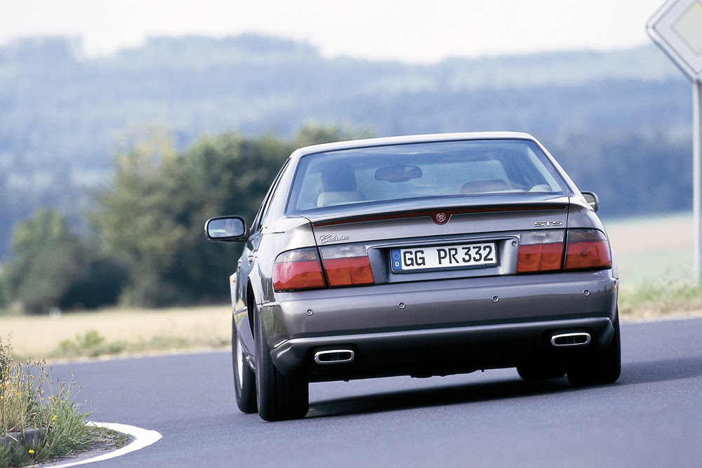 Cadillac Seville STS 2001: Overview - OldtimerArchiv.com