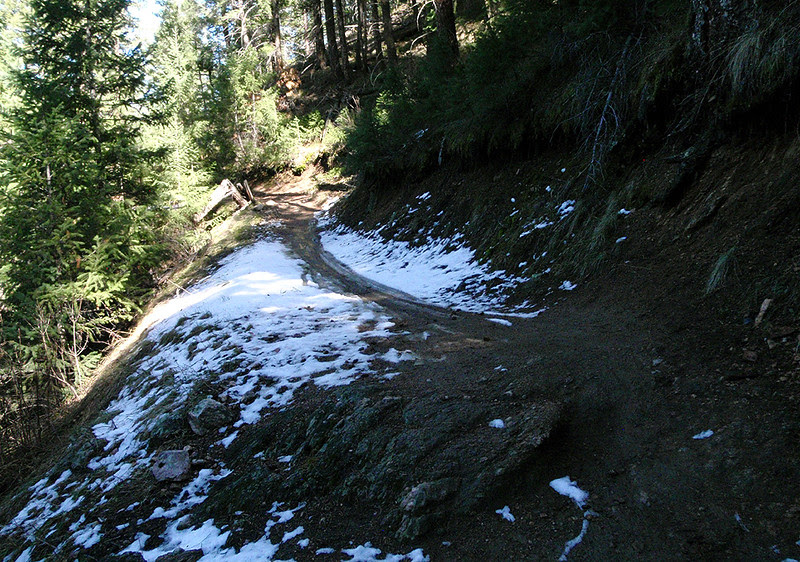 The trail is melting quickly now.