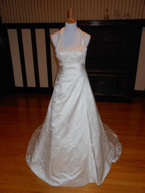 Sincerity Bridal Ivory Satin Sample Destination Wedding