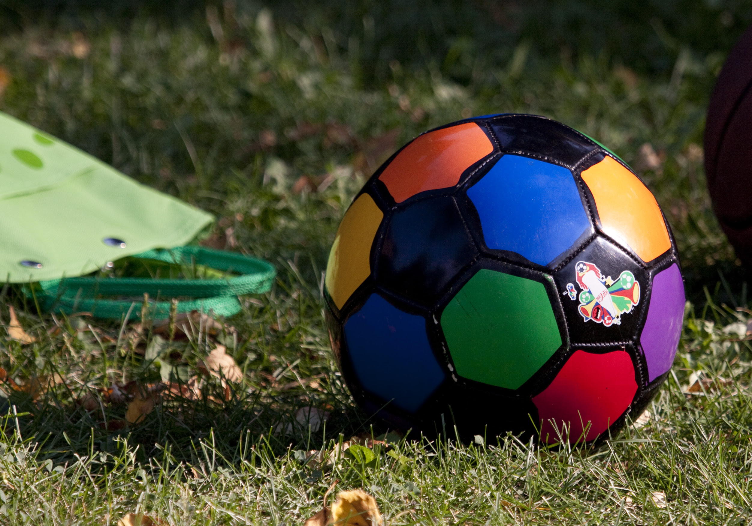 coloruful soccer ball and bag2