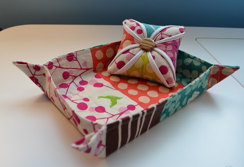 Pincushion and little tray - for pin cushion swap