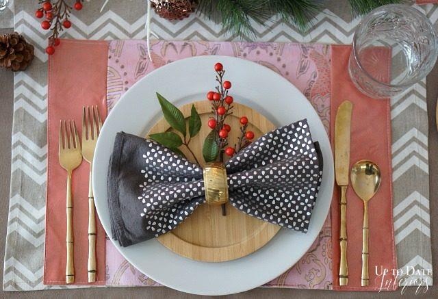 Christmas-table-place-setting-640x437