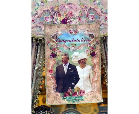 Royal Wedding: Souvenirs celebrating Royal Weddings   Los