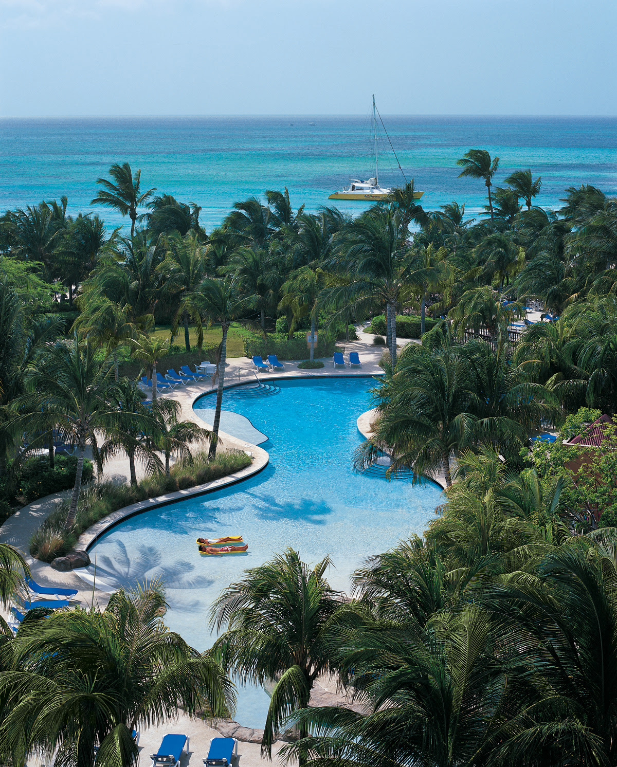 Relax at the Radisson Aruba Resort  GOGO Vacations Blog