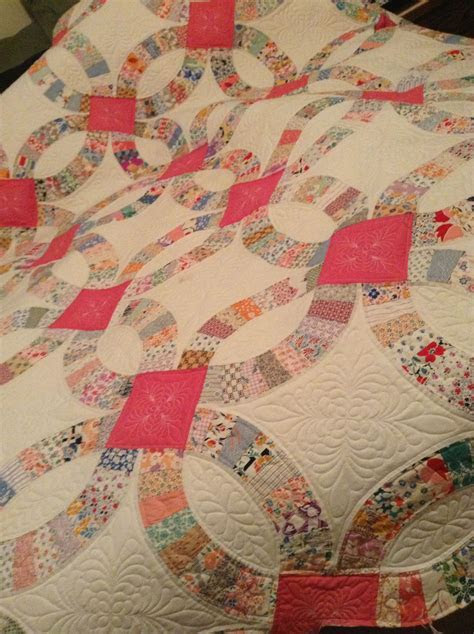 Timberlinequilting.com. Vintage double wedding ring quilt