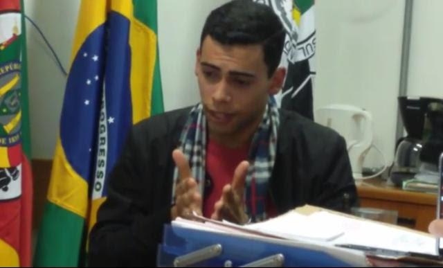 VÍDEO: homem confessa e se diz arrependido por assassinato de amiga Reprodução/Reprodução
