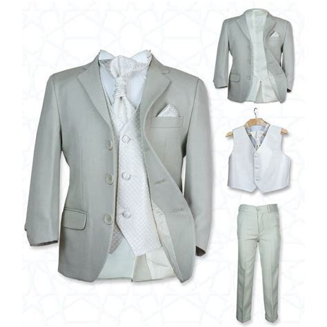 Best 25  Boys suits ideas on Pinterest   Little boy style