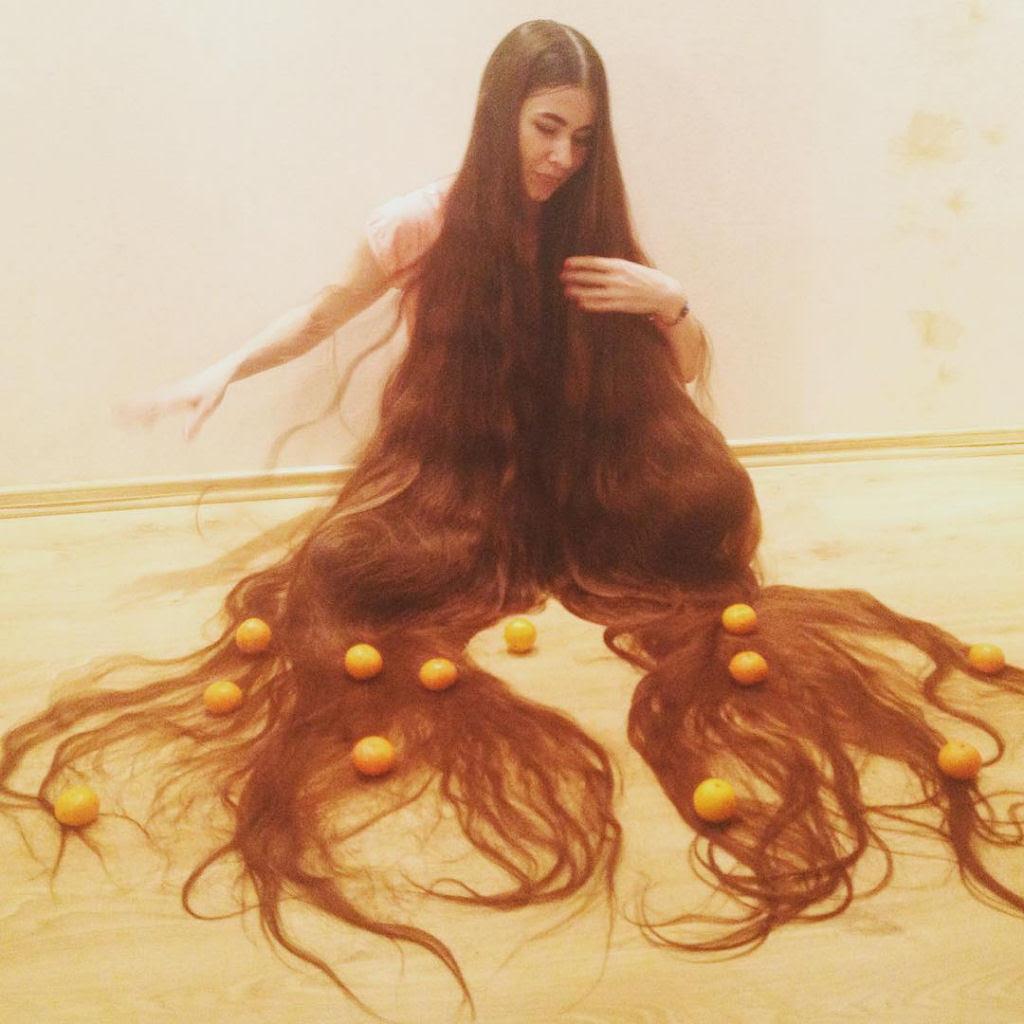 Queria ser a Rapunzel da vida real e não cortou seu cabelo em 20 anos 03