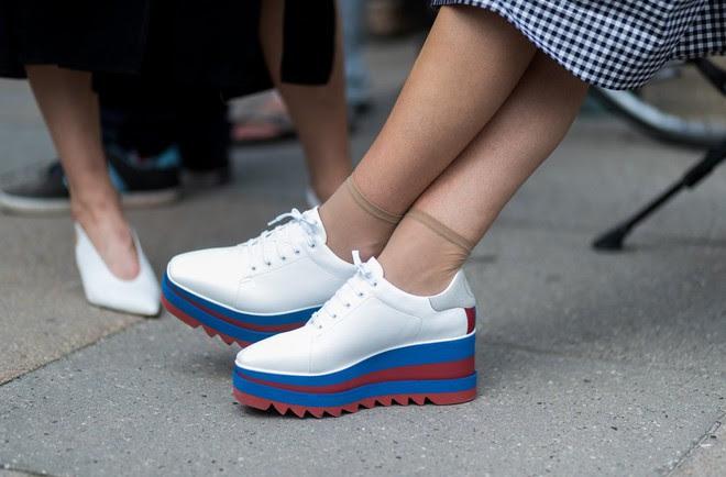 Xu hướng sneaker Thu/Đông 2017 đang khởi động với 4 mẫu giày này - Ảnh 9.