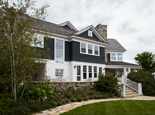 Gorgeous lake cottage in Harbor Springs » Adorable Home
